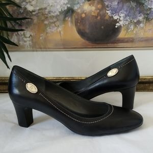 🖤 New Etienne Aigner Madison Leather Pumps